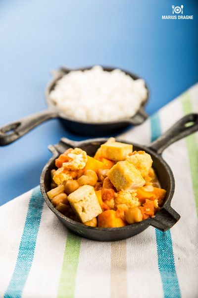 Curry de naut si tofu la slow cooker Crock-Pot