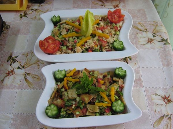 Fatoush -Salata de paine ( specific tarilor arabe)