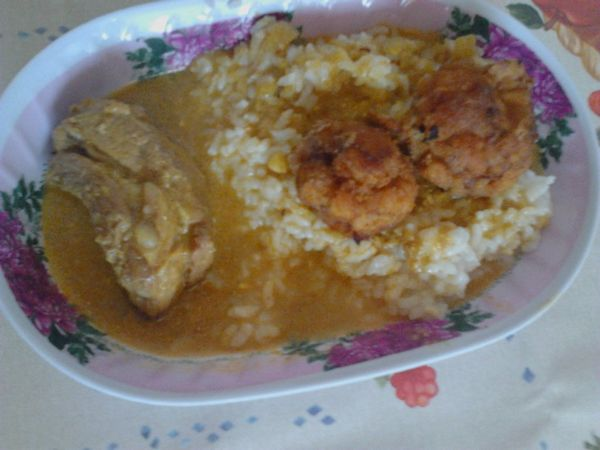 Friptura de porc cu mirodenii indiene si garnitura de orez