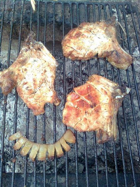 Gratar de porc marinat ^in vin