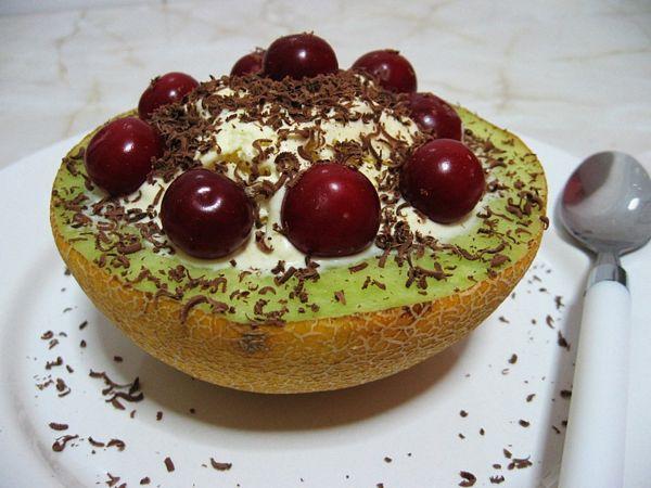 ^Inghetata de vanilie cu visine si pepene galben