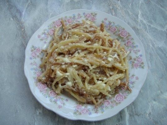 Mic dejun dulce din spaghete