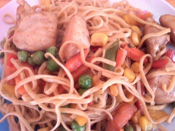 Noodles Cu Pui Si Legume