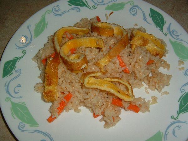 Orez in stil indonezian cu sos de arahide