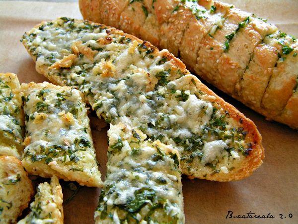 Paine cu usturoi / Garlic bread