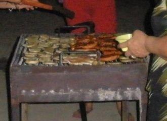 Piept de pui marinat  cu cartofi la gratar