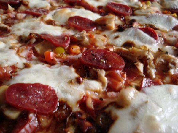 Pizza cu Chorizo