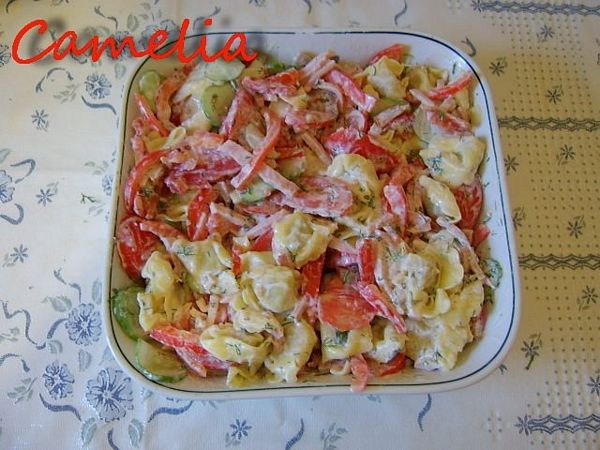 Salata cu tortellini