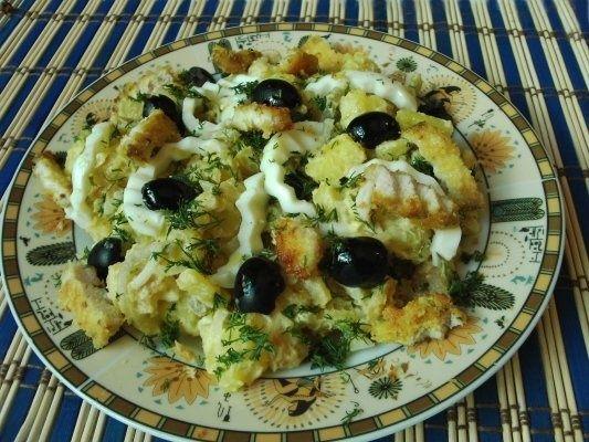 Salata de cartofi cu piept de pui in crusta de cocos
