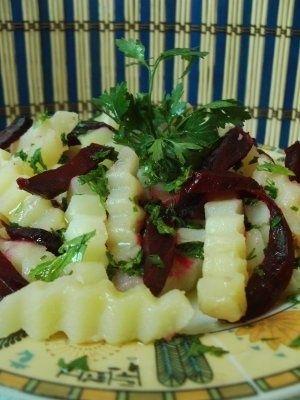 Salata de cartofi cu sfecla