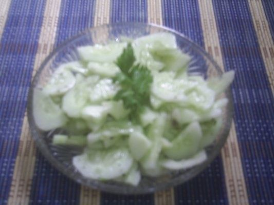 Salata De Castraveti Proaspeti