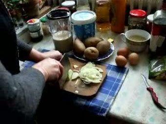 Salata De Conopida Cu Ceapa Rosie (de Post)