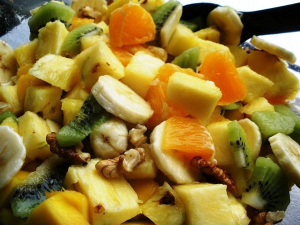 Salata de fructe cu nuci