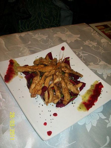 Salata de radicchio cu piept de pui in stil asiatic a la Nico