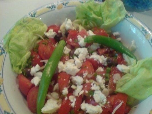 Salata de rosii cu masline grecesti