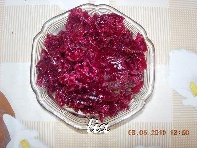 Salata de sfecla rosie cu ulei de struguri