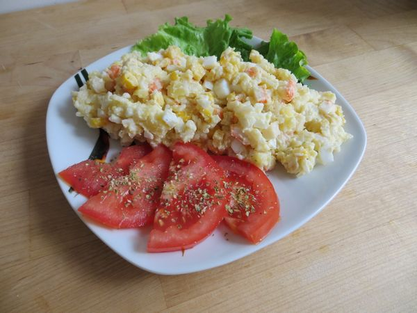 Salata din bastonase de crabi