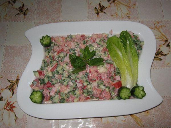 Salata mixta cu pasta de susan- specifica  tarilor arabe