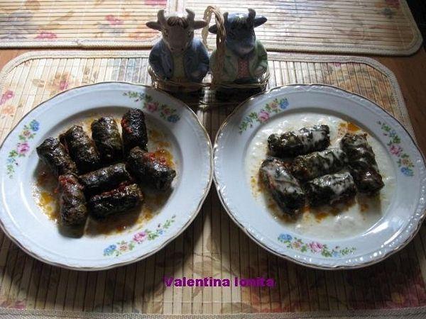 Sarmalute cu carne de vitel in foi de vita fierte in vin alb