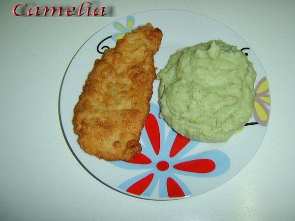 Snitel vienez cu piure de cartofi cu broccoli