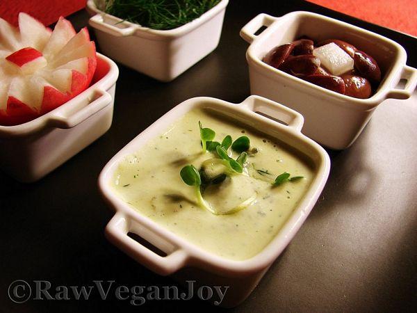 Sos de smantana cu marar (raw vegan)