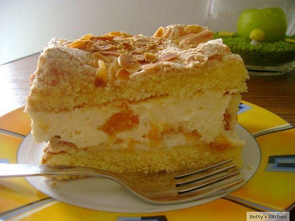 Tort cu blat crocant, crema de vanilie si mandarine