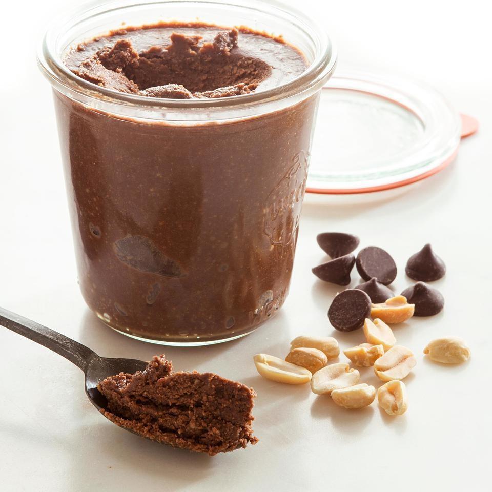 Ciocolata Cu Unt De Arahide, Un Desert Rapid Cu Putine Ingrediente