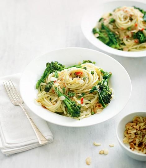 Paste Cu Broccoli, Chilli Si Lamaie