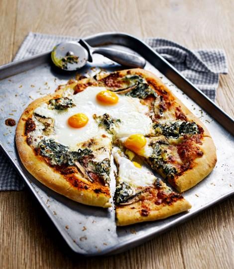 Pizza Cu Ricotta, Spanac, Ciuperci Si Oua