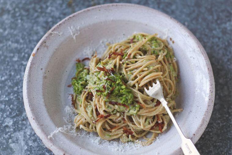 Skinny Carbonara, O Reteta De Paste Jamie Oliver