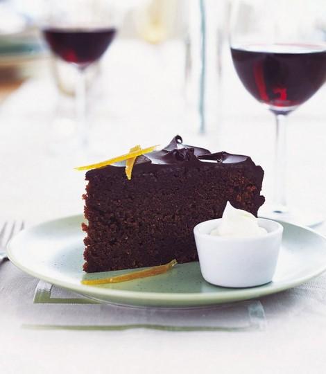Tort De Ciocolata Cu Migdale Si Portocale, Un Tort Perfect Pentru Aniversari